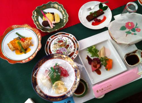 松浦シティホテルのクリスマスディナーショー/なかじままりの爆笑ものまねライブのランチ