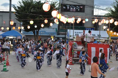 大宮町夏祭りの盆踊り