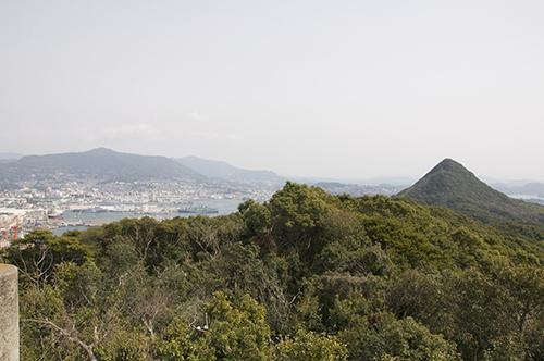 赤崎岳を望む